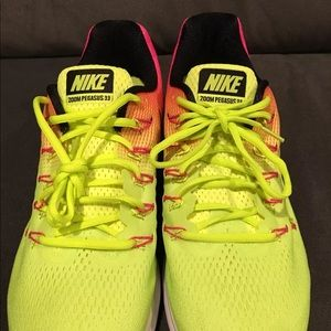 premium selection 39bae c33ad Zoom 33 Size Volt Running 115 Oc Pegasus Air Nike Poshmark Shoes qIHEYwxx1